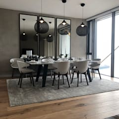 Silo Apartment - Cape Town:  Dining room by Ground Floor Interiors | Cape Town,
