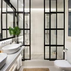 Bathroom by Egue y Seta, Eclectic