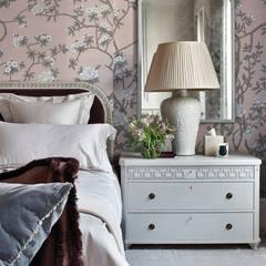 غرف نوم صغيرة تنفيذ Stahovski Designs