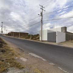 Small houses by CUBO ROJO Arquitectura, Modern