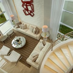 Casa Esplêndida: Escadas  por Arquiteto Aquiles Nícolas Kílaris