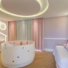 Dormitorios de bebé de estilo  por Arquiteto Aquiles Nícolas Kílaris,