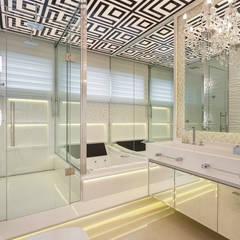 Tinas de hidromasaje de estilo  por Arquiteto Aquiles Nícolas Kílaris, Moderno