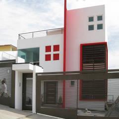 CASA LOVE: Casas unifamiliares de estilo  por ARQCUBO ARQUITECTOS