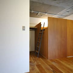 マンションリノベーション 121: モノスタ'70が手掛けた廊下 & 玄関です。,