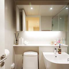 부산 홈스타일링 인테리어 - 집은 주인을 닮는다.: 로하디자인의  욕실