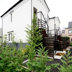 Terrace house by DIGDESIGN,
