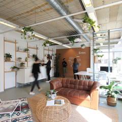 Entrr.:  Kantoor- & winkelruimten door Studio Morgen, Industrieel