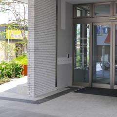 Hospitals by (株)独楽蔵 KOMAGURA