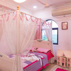 Teen bedroom by VCJ DESIGNS