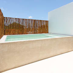 Garden Pool by BRMDZ ARQUITECTOS, Tropical کنکریٹ