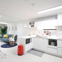 부산 신혼집 인테리어 - 24평 아파트 인테리어: 로하디자인의  다이닝 룸,북유럽