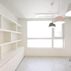 부산 더샵센텀파크 인테리어 - 40평 아파트 인테리어: 로하디자인의  방