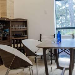 Biệt thự nghỉ dưỡng dalat:  Hầm rượu by CÔNG TY THIẾT KẾ NHÀ ĐẸP SANG TRỌNG CEEB,