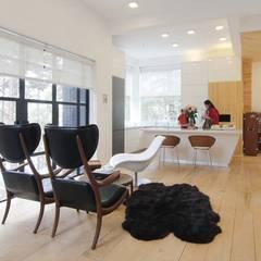 Biệt thự nghỉ dưỡng dalat:  Phòng ăn by CÔNG TY THIẾT KẾ NHÀ ĐẸP SANG TRỌNG