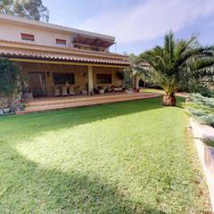 Haciendas de estilo  por Casarrubio Inmobiliaria,