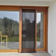 Zabezpieczenia przed owadami Klasyczny balkon, taras i weranda od SPIN Bobko i Staniewski sp.j. Klasyczny Aluminium/Cynk