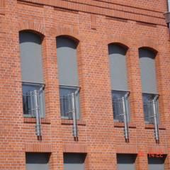 Rolety zewnętrzne Nowoczesne okna i drzwi od SPIN Bobko i Staniewski sp.j. Nowoczesny Aluminium/Cynk