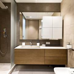 Bathroom by os.architects,