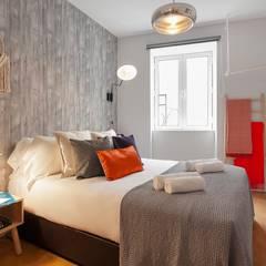 Rafaela Fraga Brás Design de Interiores & Homestyling :  tarz Küçük Yatak Odası, İskandinav