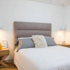 Proyecto Paula Arango: Habitaciones de estilo  por Casa de Tres