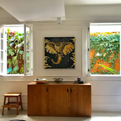 Wooden windows by Maria Claudia Faro, Classic اینٹوں