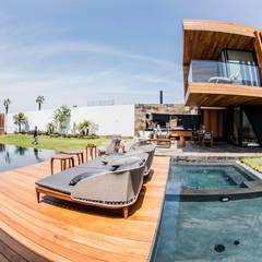 NAG Balcones y terrazas modernos de DOF Arquitectos Moderno Madera Acabado en madera