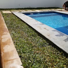 Garden Shed by La ceiba espacios verdes, Tropical
