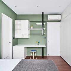 Minimalistische Schlafzimmer von 思維空間設計 Minimalistisch