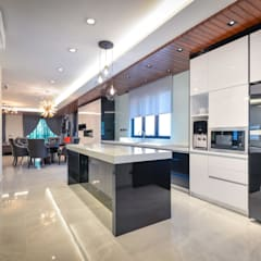 Semi-D @ Bukit Segar :  Kitchen by Young Concept Design Sdn Bhd