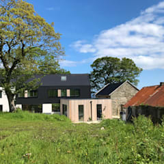 Contemporary Barn House, Derry / Londonderry:  Country house by Marshall McCann Architects,