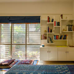 Bedroom by Kamat & Rozario Architecture,