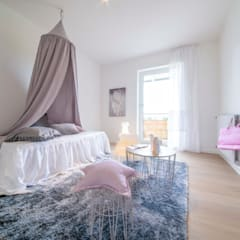 Girls Bedroom by Münchner home staging Agentur GESCHKA,