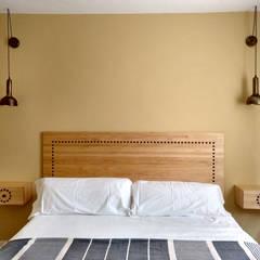 Bedroom by CARMITA DESIGN diseño de interiores en Madrid, Mediterranean Wood Wood effect