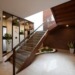 Stairs by Desigent Design Studio, Modern