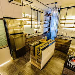 CCK Ave 3:  Kitchen by Ideal Design Interior,Eclectic