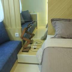 Lexington apartment:  Kamar Tidur by POWL Studio