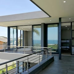 Balcony by Barnard & Associates - Architects, Minimalist