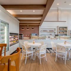 Projeto Comercial | Doceria Magrello: Espaços gastronômicos  por Carolina Fagundes - Arquitetura e Interiores,