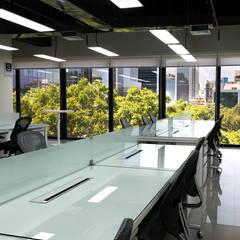 Cooperativa Pacifico - Pool de Trabajo: Oficinas de estilo  por Kaizen Arquitectos