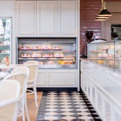 ร้านอาหาร by Carolina Fagundes - Arquitetura e Interiores