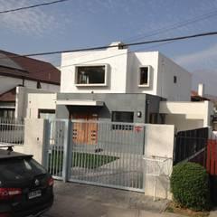 Ampliaciones y Remodelaciones: Garages de estilo  por Comercial Ébano Spa