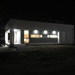 """Casa en Monte Hermoso - Barrio """"La Loma"""": Casas unifamiliares de estilo  por Estudio B Arquitectura y construcciones,Moderno"""