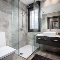 ห้องน้ำ โดย arQmonia estudio, Arquitectos de interior, Asturias, โมเดิร์น