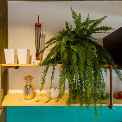 Cocinas pequeñas de estilo  por Estúdio Ventana, Industrial