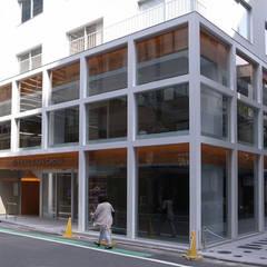 恵比寿のテナントビル: PODAが手掛けた商業空間です。