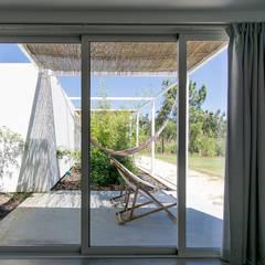 Bedroom by [i]da arquitectos,