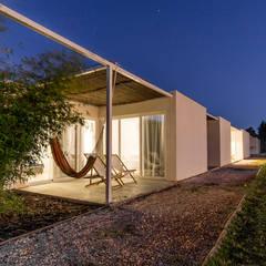 Pé no Monte Fase II Casas mediterrânicas por [i]da arquitectos Mediterrânico
