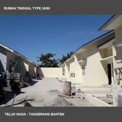 Proyek Teluk Naga: Rumah tinggal  oleh Studio Ardhyaksa, Minimalis Batu Bata