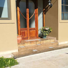 Front doors by La Fabriquita Mobiliario, Colonial Solid Wood Multicolored